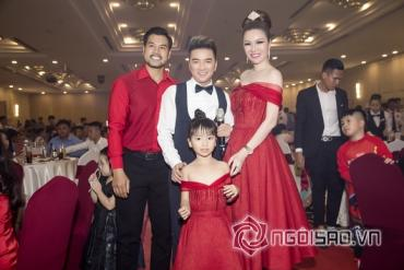 "Ranked A celebrities and singers partied like ""crazy"" in Long Hoang Company's year end celebration."